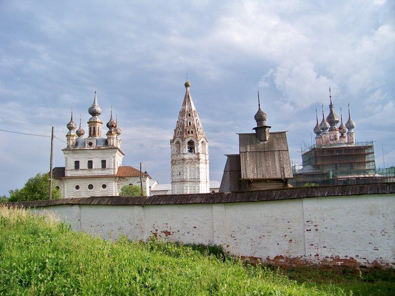 Монастырь выглядит как маленький кремль Города России, владимирская область, красивые места, пейзажи, путешествия, россия