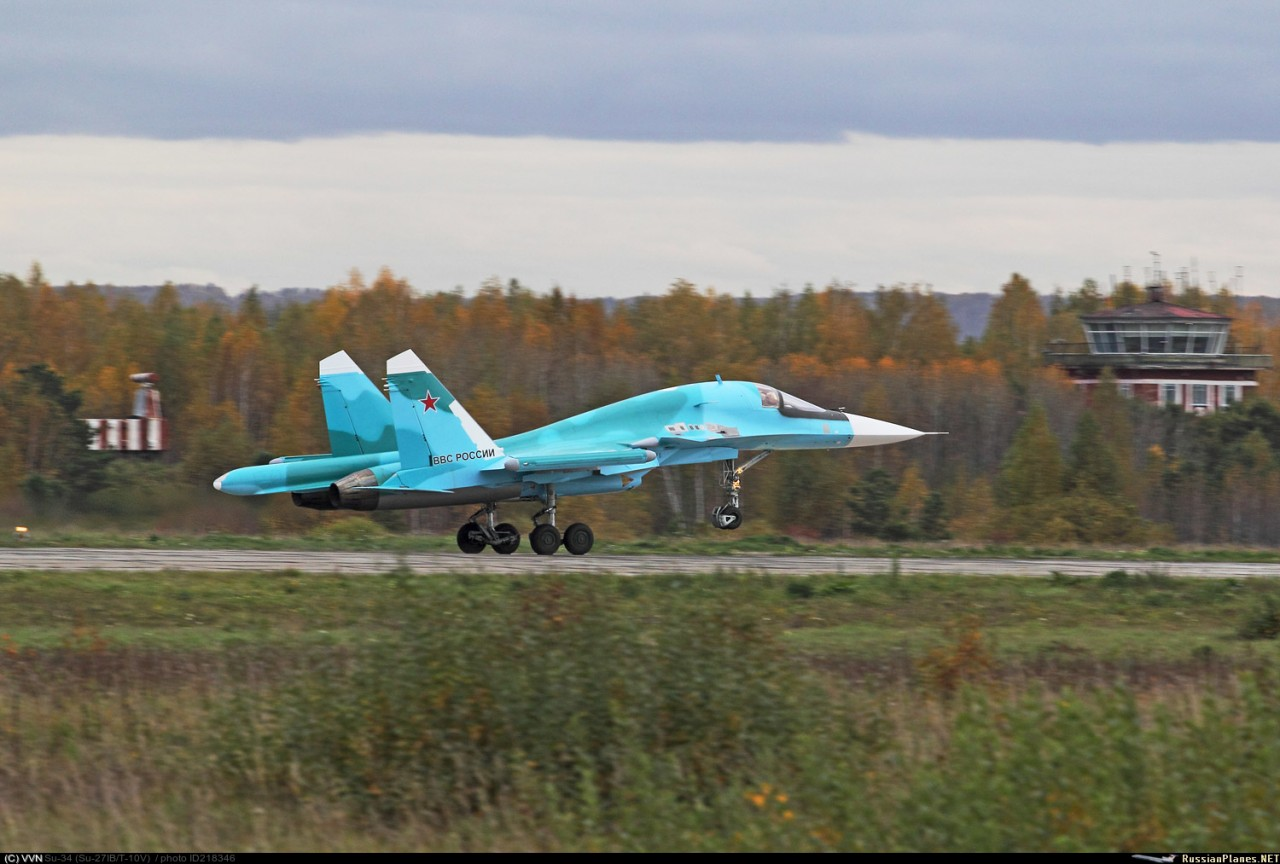 ВКС России получили четыре фронтовых бомбардировщика Су-34