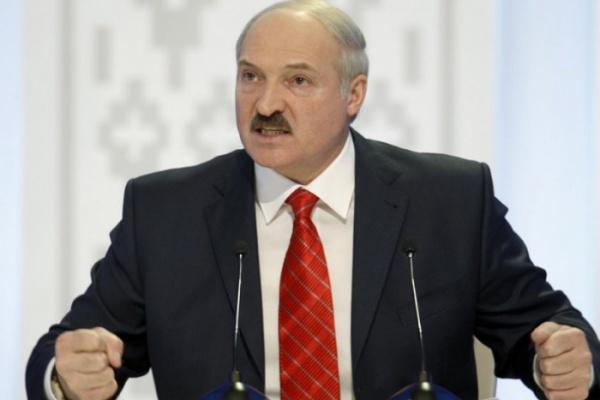 Лукашенко обвинил российские СМИ вразжигании войны
