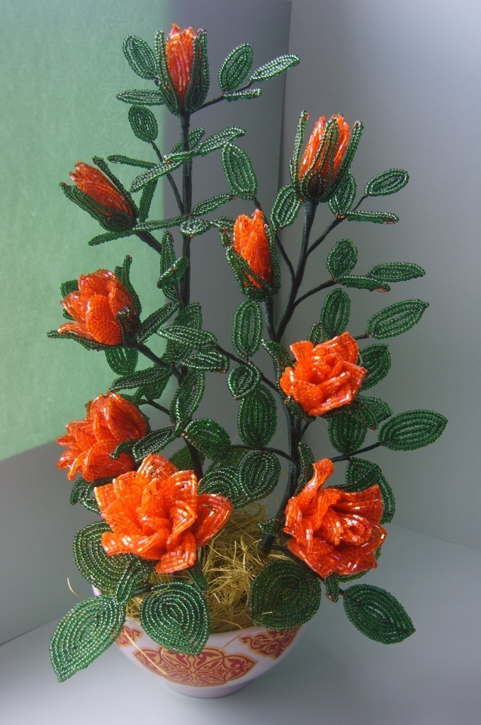 Кустовая роза из бисера мастер класс видео