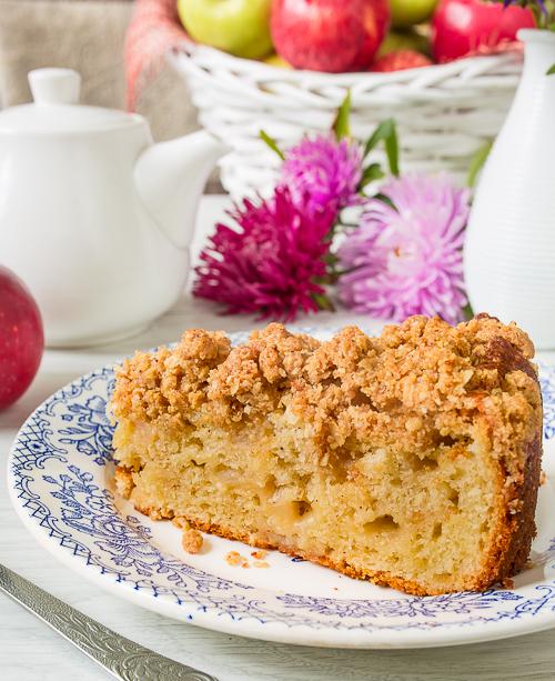 Яблочный пирог с хрустящим овсяным штрейзелем
