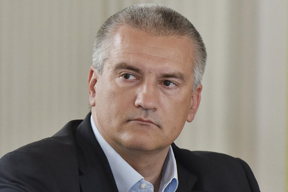 Аксенов: Украина ищет хозяйский сапог, чтобы к нему прильнуть