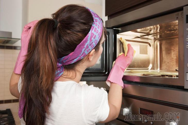 Как убрать запах гари из микроволновки в домашних условиях
