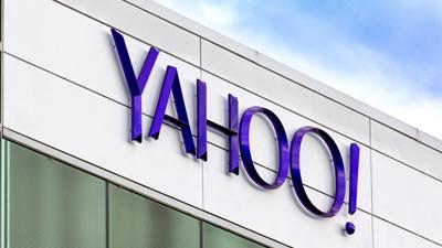 Yahoo хочет заменить Google в  iPhone