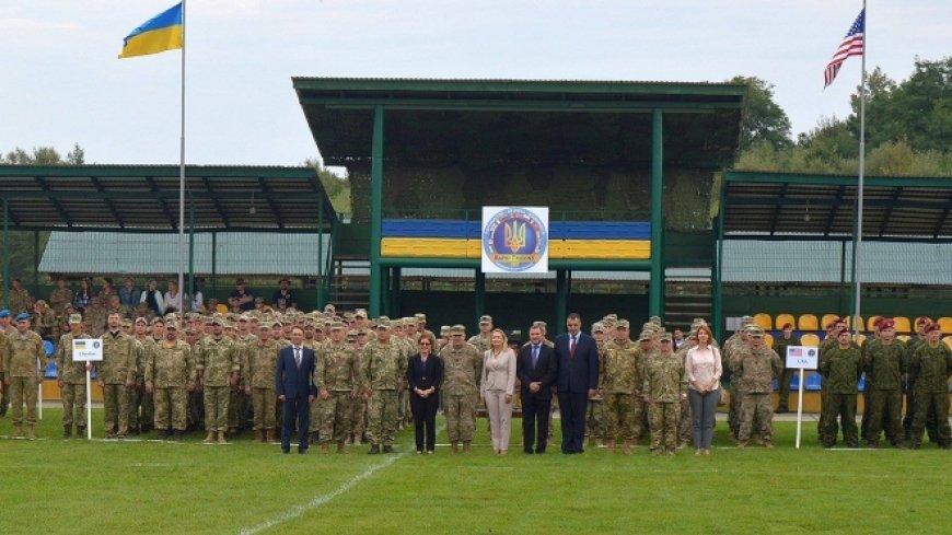 Наследие США и НАТО: инструкторы из Литвы нарываются на скандал в Украине