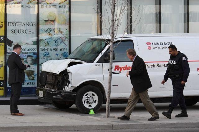 Полиция считает, что наехавший на людей в Торонто действовал намеренно