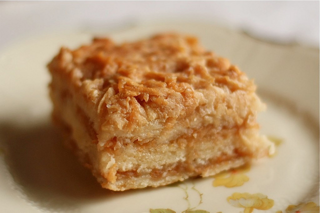 Болгарский яблочный пирог с манкой рецепт пошаговый
