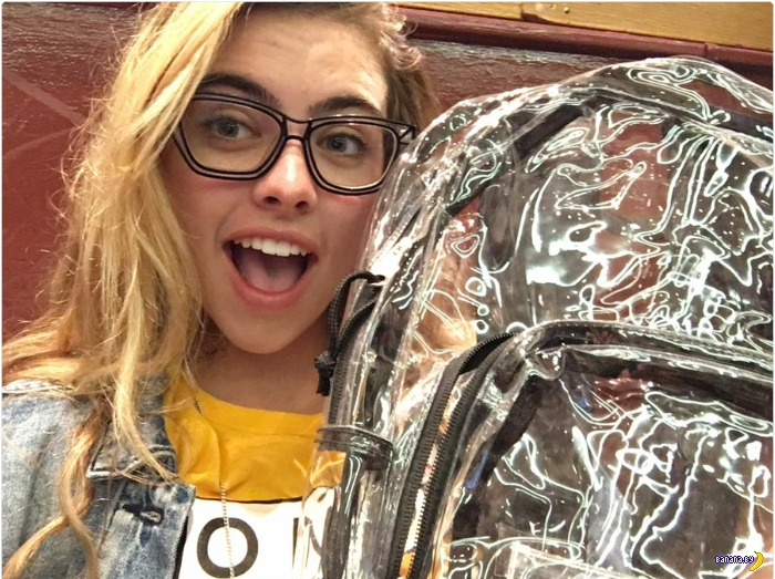 Реакция детей на прозрачные рюкзаки