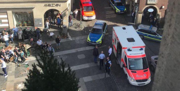 Терракт в Германии: грузовик врезался в толпу людей, водитель покончил жизнь самоубийством — последние новости с места события, фото и видео