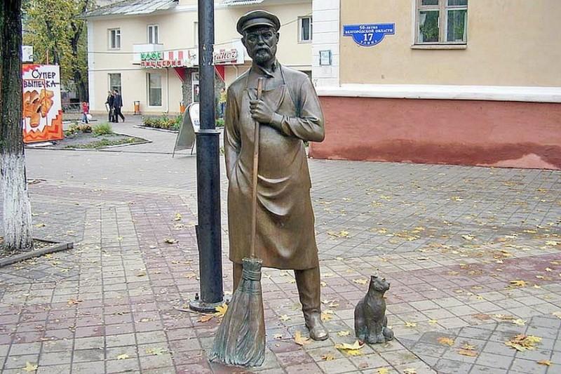 Дворники в России могут получить полицейские полномочия.