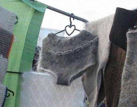 Из Французского ФБ: пуховые трусы - просто необходимая вещь для русской зимы