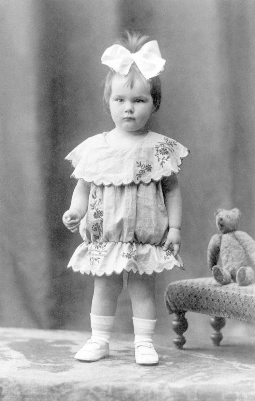 Девочка Галя из блокадного Ленинграда. Давайте, пожелаем ей здоровья!