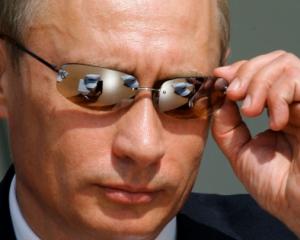 Путин дергает за ниточки