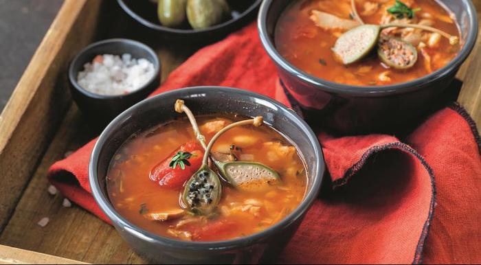 ДЕНЬ ПЕРВОГО БЛЮДА. Быстрая похлебка из фасоли и тунца на томатном бульоне
