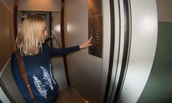 Как можно проехаться на лифте без остановок