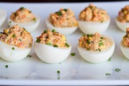 Фаршированные яйца.  На 100 грамм продукта: