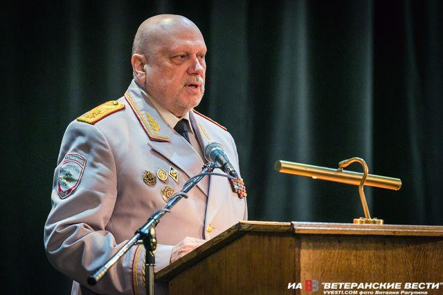 Генерал-лейтенант Александр …