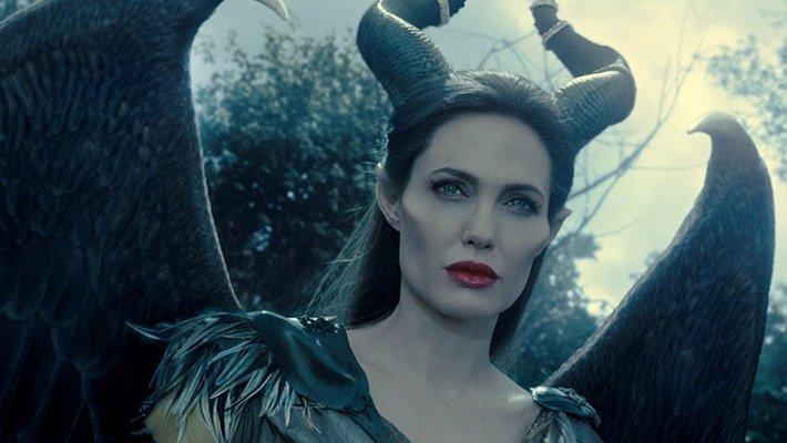 СМИ: Анджелина Джоли на грани банкротства