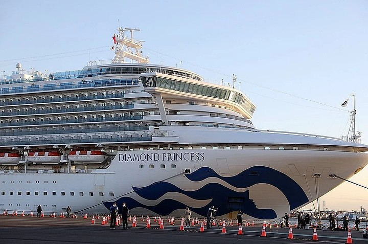 Число заразившихся коронавирусом на круизном корабле в Японии выросло до  634 человек