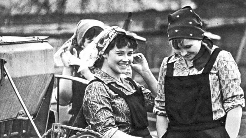 Грязные сказки о советских женщинах