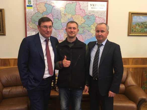 «Спасибо, что неотрезали ухо!» — наУкраине продолжают обсуждать постановочное «похищение» отСБУ