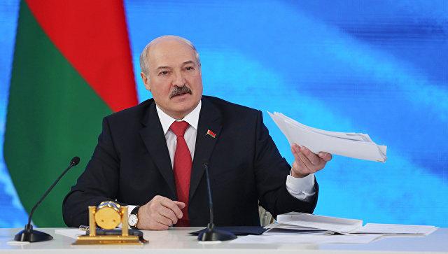 Лукашенко призвал Россию не усложнять отношения