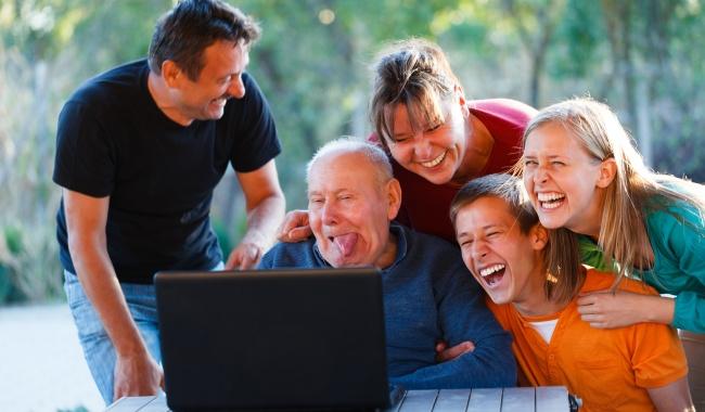 Блог Павла Аксенова. Анекдоты от Пафнутия. Фото Barabasa - Depositphotos