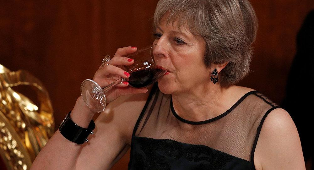 Пьяная Мэй на заседании по Брекситу: «я вам покажу, ублюдки!»