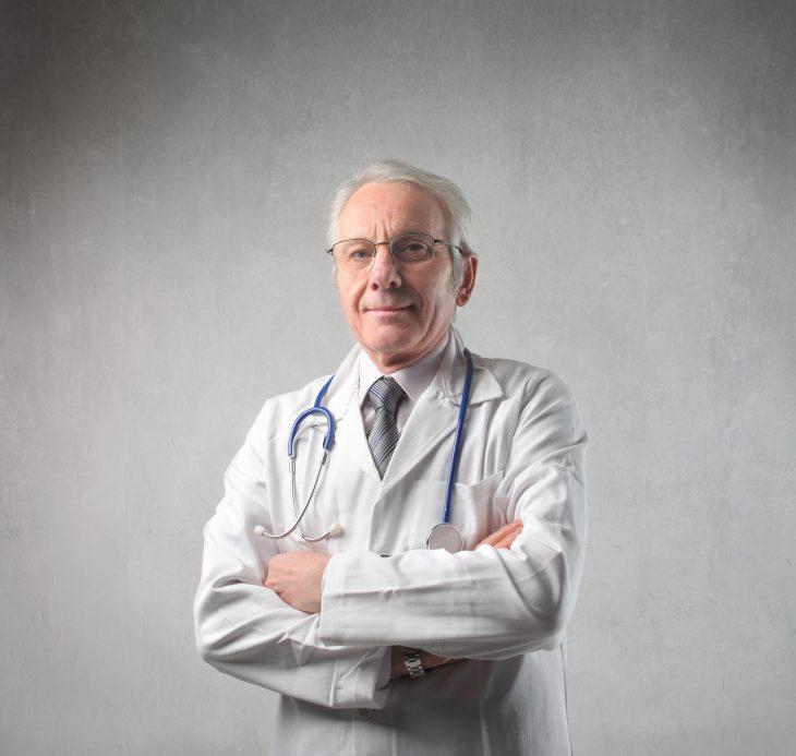 «Конечно, доктор, угощайтесь!»