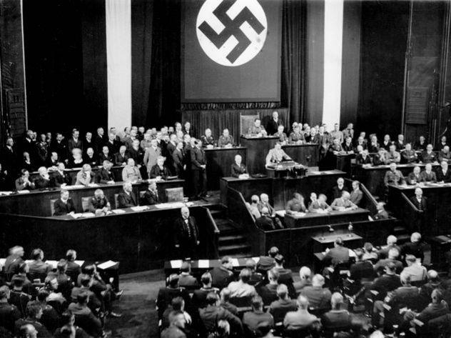 Гитлер кончил жизнь законченным наркоманом, а его армия «сидела» на метамфетамине