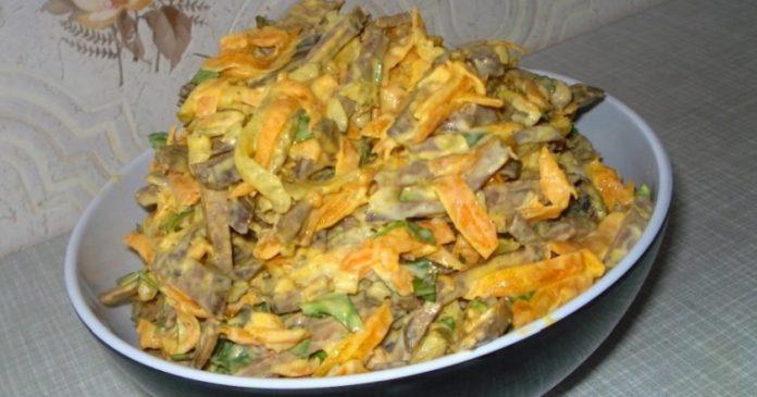 Этот печеночный салат с морковью любят все, без исключения!
