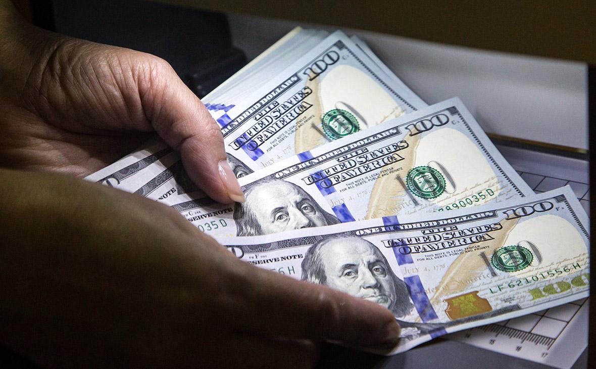 Сбербанк заявил о резком притоке денег в Россию из-за опасения санкций  П
