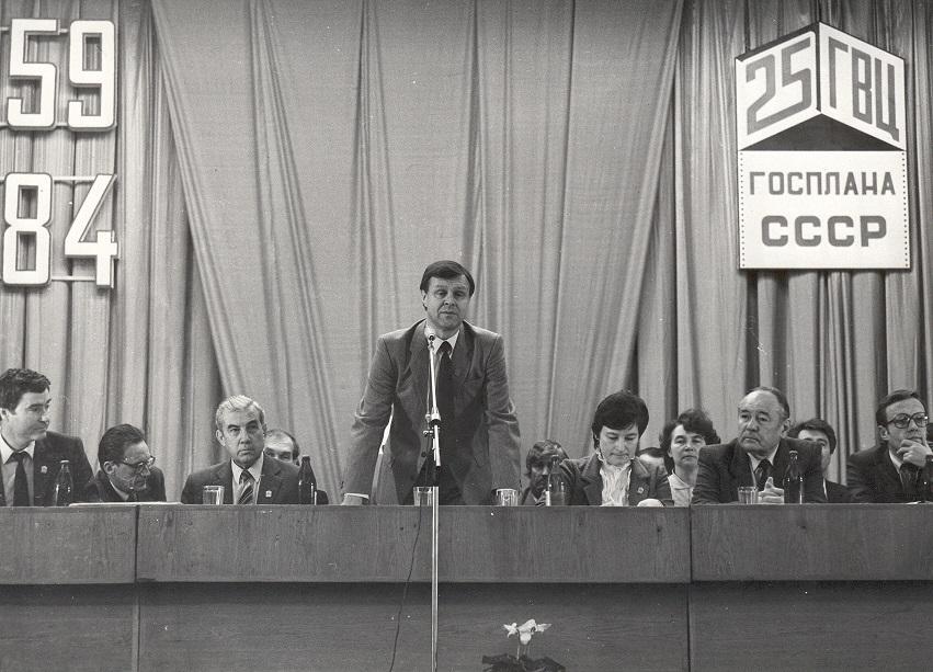 Почему гнила советская плановая экономика?
