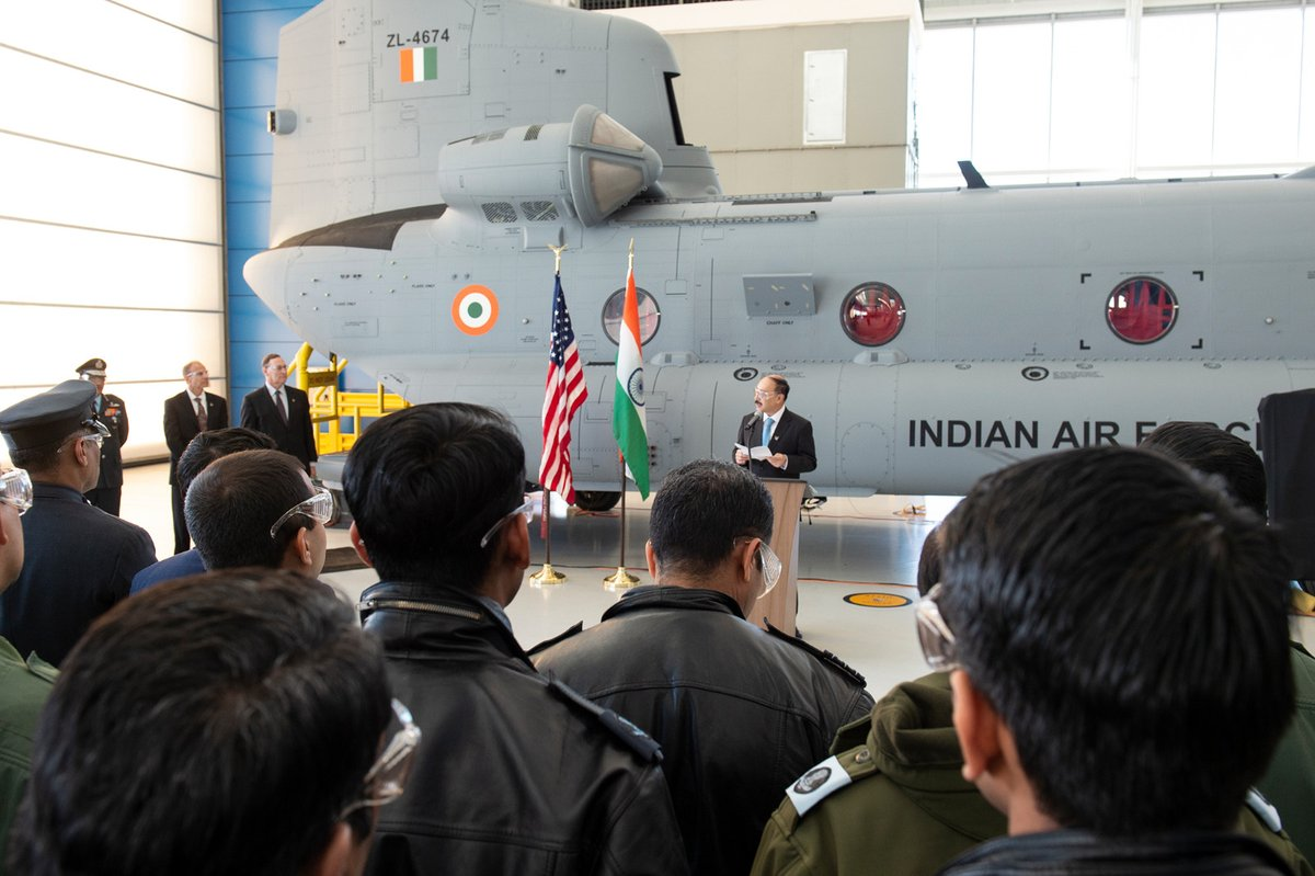 Индия получила первый вертолет CH-47F(I) Chinook