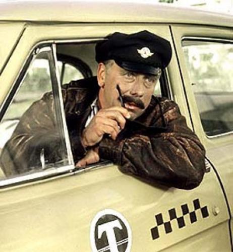 В Москве таксист восемь часов ждал пассажирку, чтобы вернуть ей кошелек