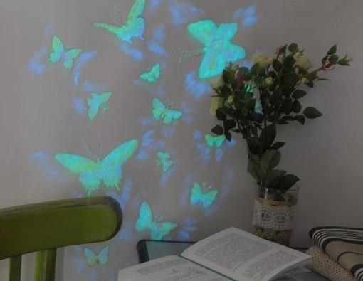 Делаем светящихся бабочек на стене