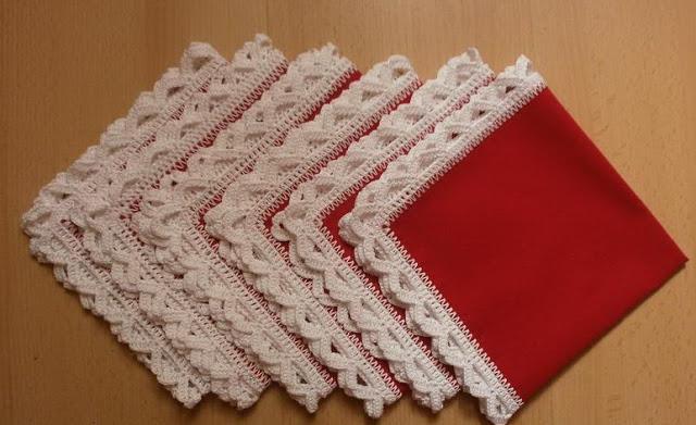 В помощь вязальщицам... Как набрать петли на ткани для обвязки крючком