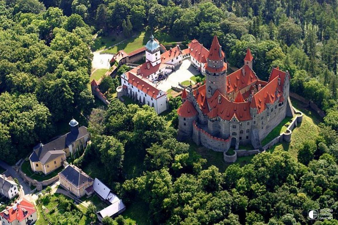 Замок Боузов в Чехии
