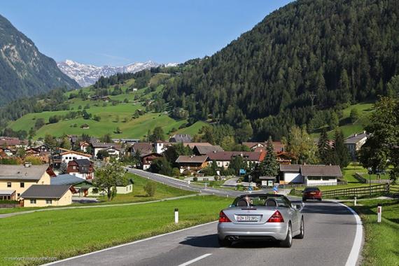 Дышим морозным, бодрящим альпийским воздухом на дороге Гроссглокнер