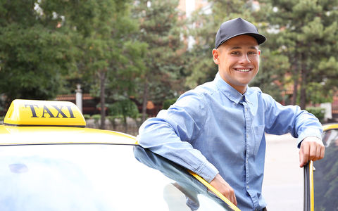 Водителей такси могут обязать носить антисонные нейрокепки