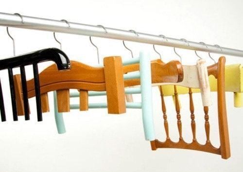 вешалки в форме спинки стула