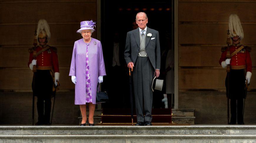 Принцу Филиппу 95 лет: 15 самых забавных оплошностей супруга королевы
