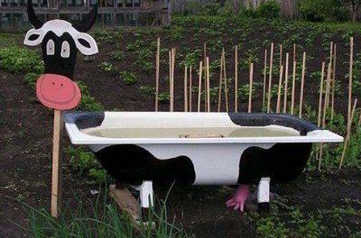 Креативные поделки для сада из старых вещей