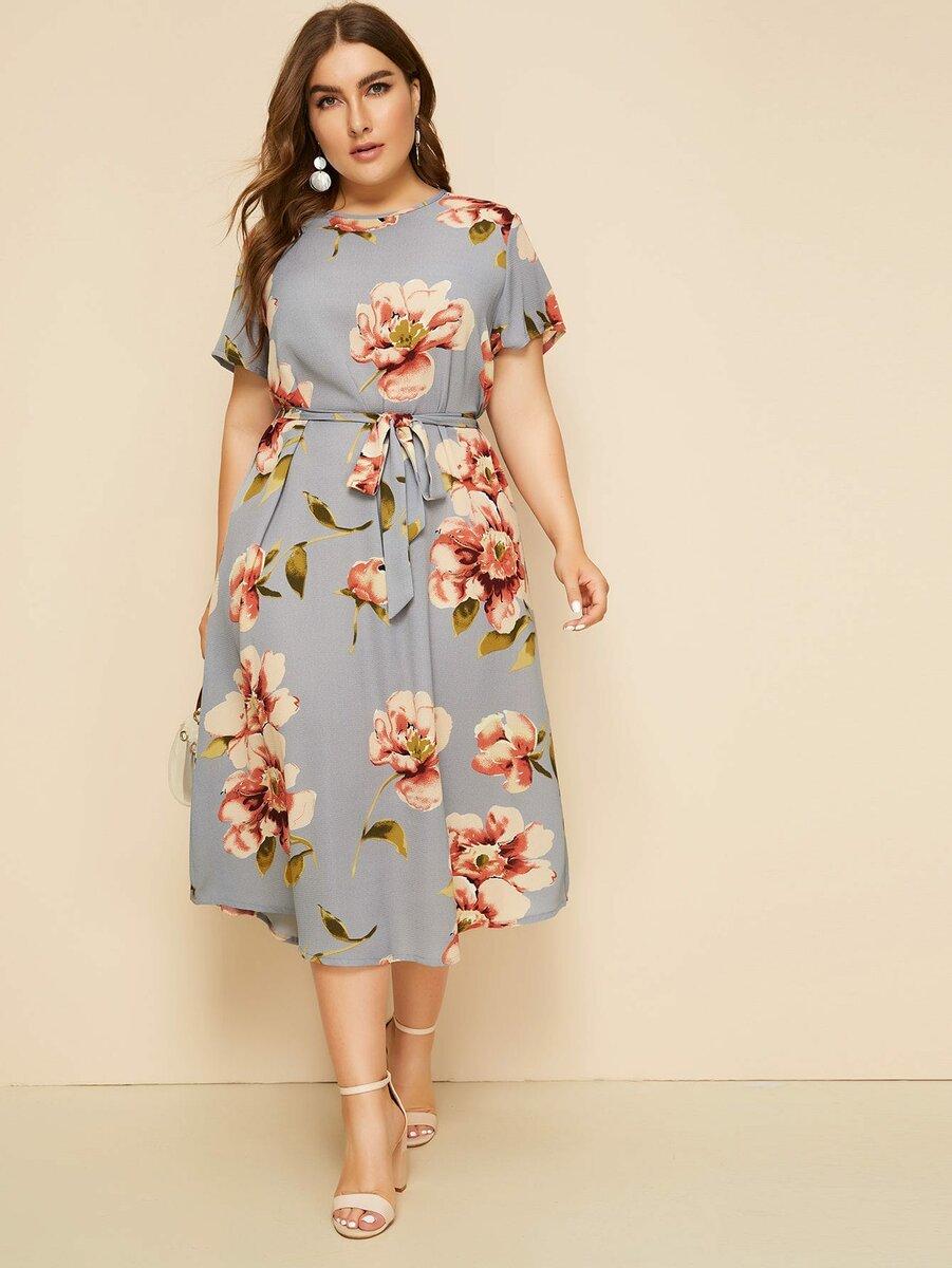Как стильно носить цветочный принт женщине 50+