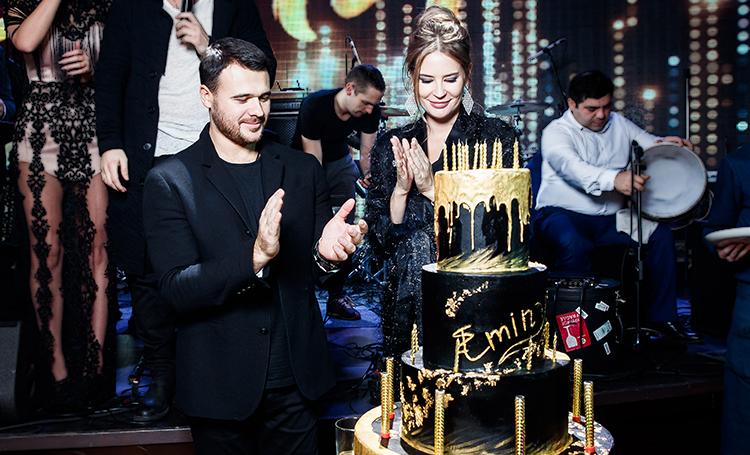 Эмин Агаларов отпраздновал 39-летие в компании беременной жены Алены Гавриловой и звездных друзей: фоторепортаж