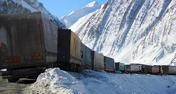 Транскам иВоенно-Грузинская дорога пока закрыты
