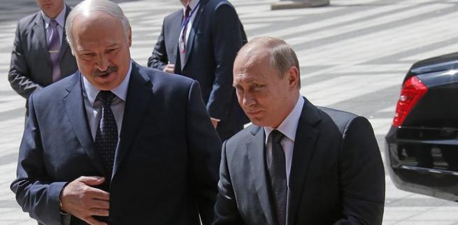 Минск подтолкнули к компромиссу