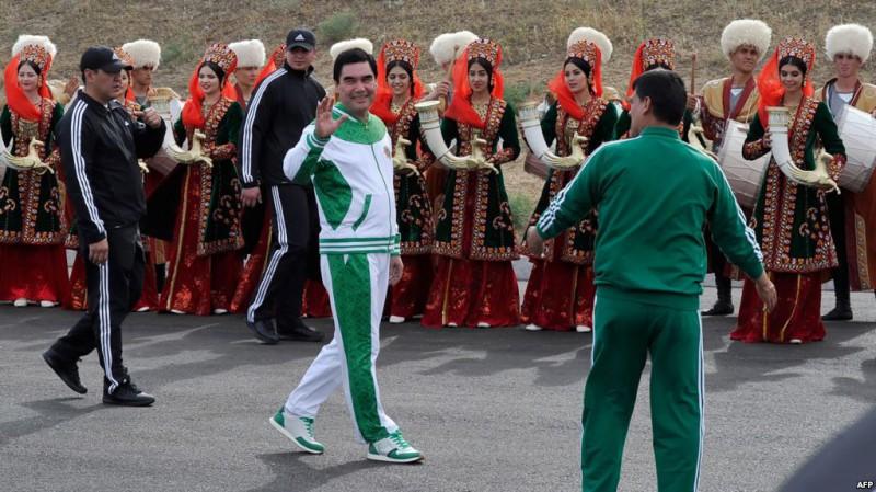 Причины, по которым жителям Туркменистана запретили уезжать из страны