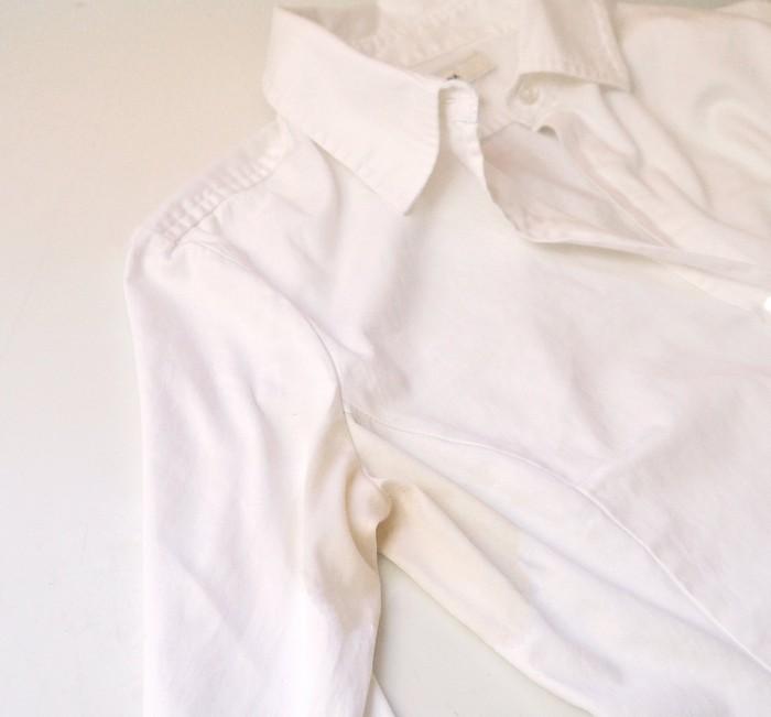 Как вывести жёлтые пятна от пота и дезодоранта с белых вещей