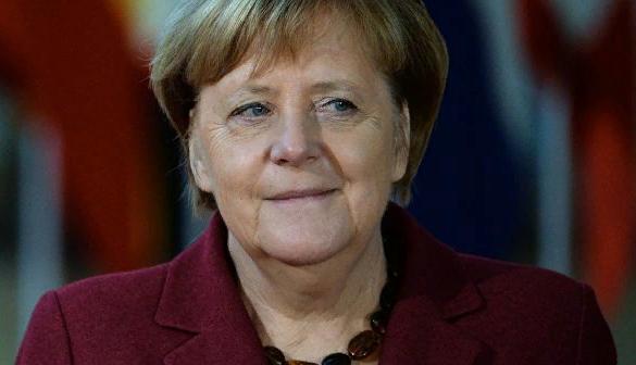 """""""Ноев Ковчег"""". Ангела Меркель решила строить общеевропейский авианосец"""